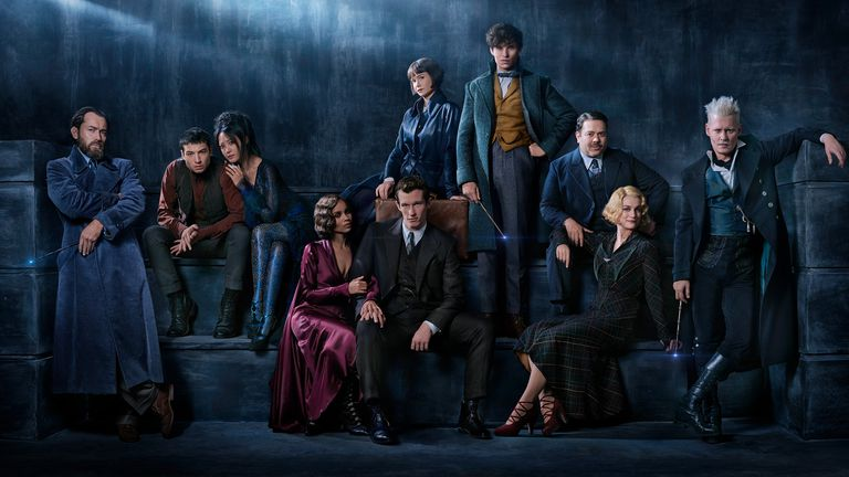 1510842200-fantastic-beasts-first-look-image